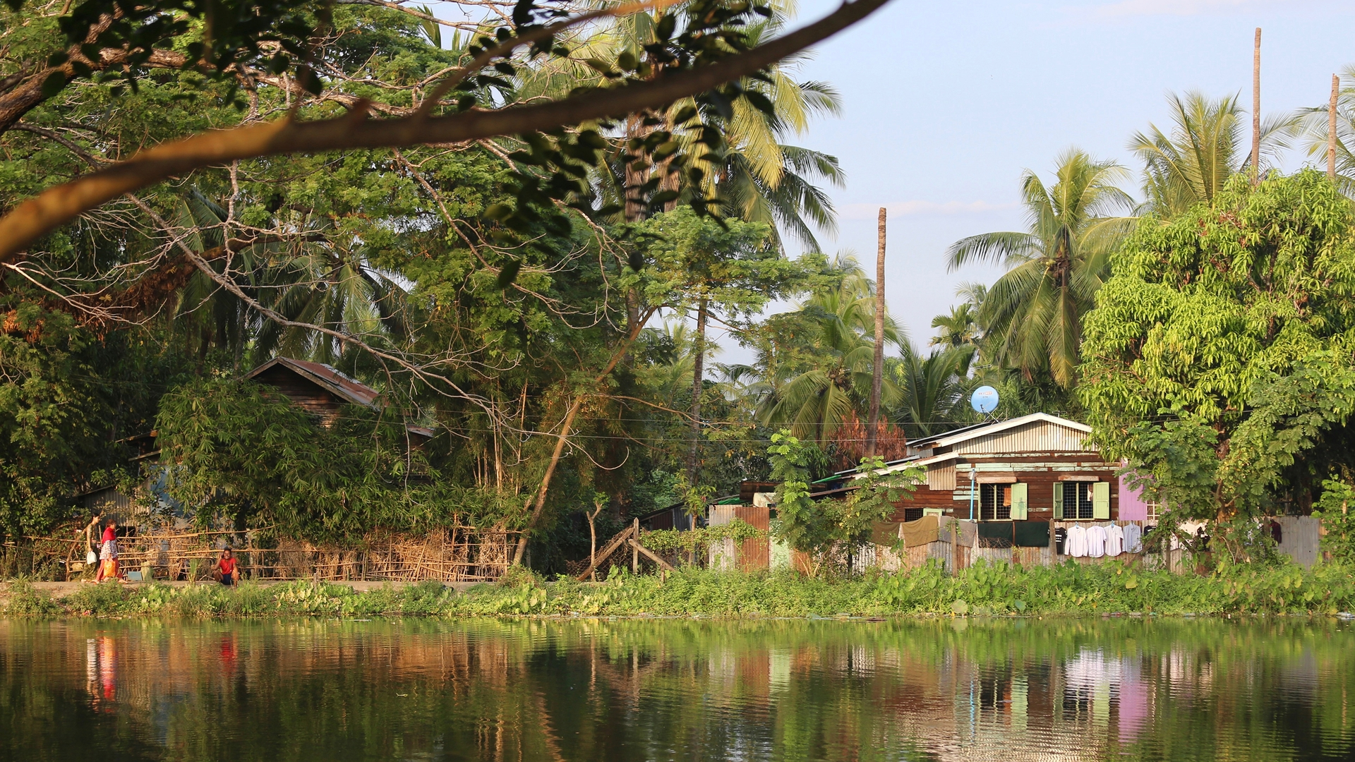 Enlarge Photo: Existing landscape conditions within Yangon's Dala Township / Scott Melbourne