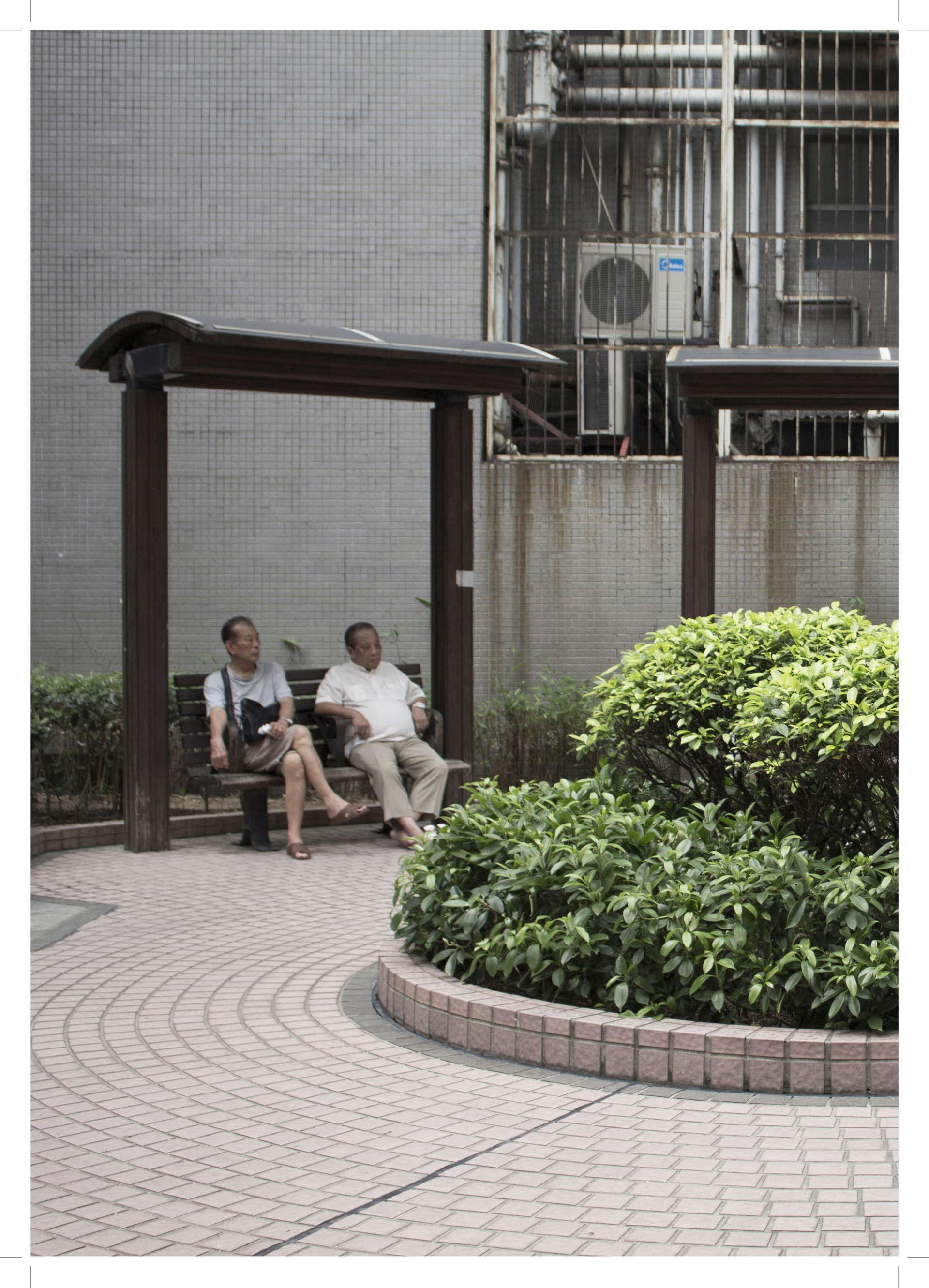 Enlarge Photo: Project 1 - (Inter)positioning: Portland Street Rest Garden. By ZHOU Yifan Mia.